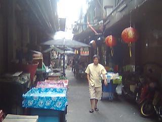 バンコクの夜遊び、中華街の床屋さん
